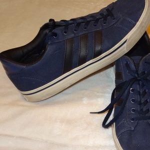 Adidas Men's Cloudfoam sneaker - sz 9 - Dark Blue